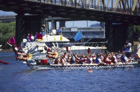 Dragon Boats race finish